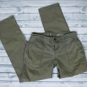 GAP Army Green Khaki/Chinos/Cargos 0 XS